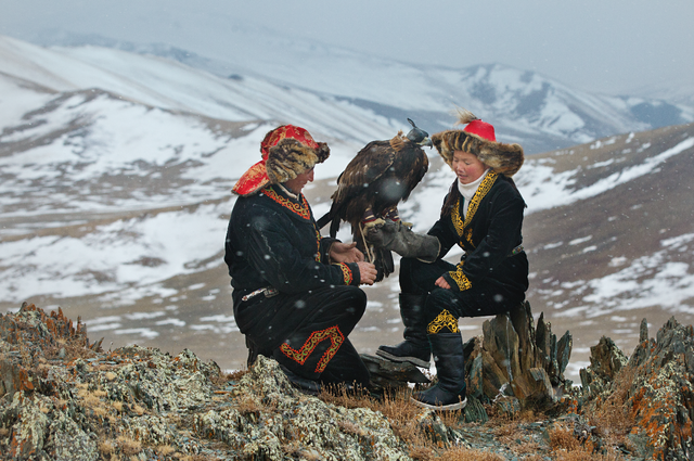the_eagle_huntress_02