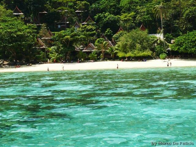 Phi Phi, Relax Beach Resort